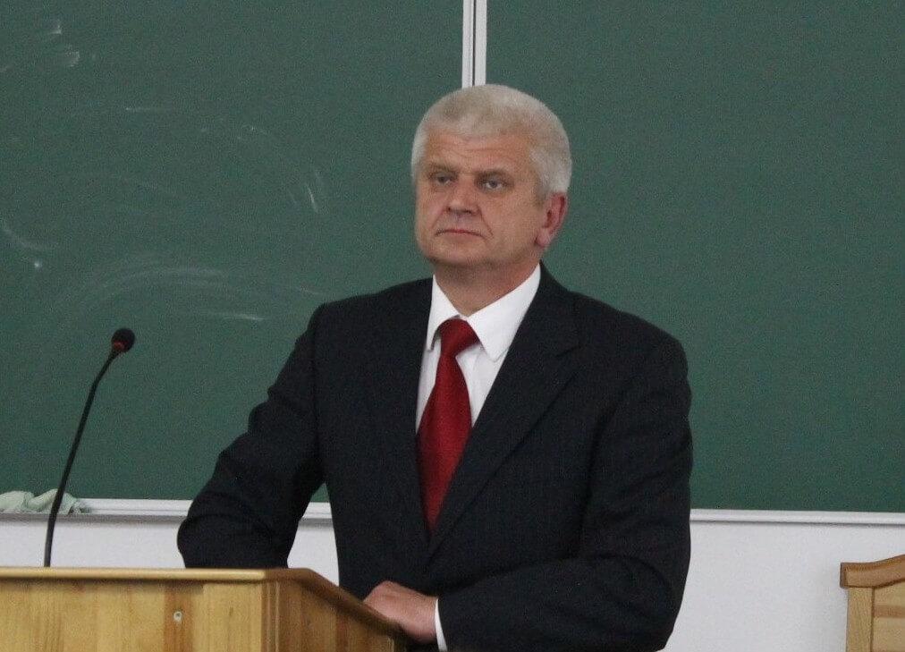 Олександр Шикер